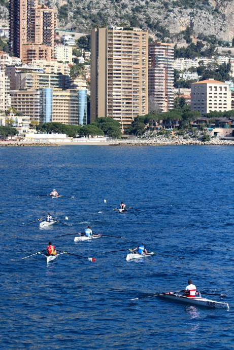 The highrises of Monaco as the background for the coastal rowing race @CelinaLafuenteDeLavotha