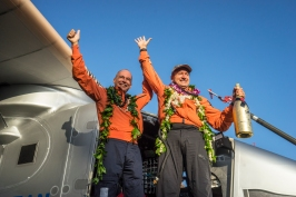 Picard and Borschberg after landing in Hawaii, USA, June 28, 2015 Solar_Impulse_2_-_First_Test_Flight_-_Abu_Dhabi The flying explorer @RTW Revillard / Rezo Ch