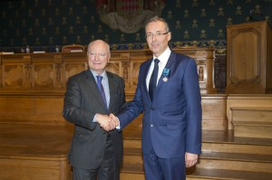 Robert Calcagno received the medal of Maritime Merit from HE Hadelin de la Tour du Pin @M.Dagnino