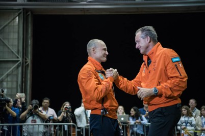 Bertrand and Borschberg before Si2 takeoff from Hawaii, USA @Solar Impulse / Revillard Rezo ch
