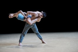 Gods and Dogs by Jiri Kylilan Imprevus.2 April 7, 2016 Ballets de Monte-Carlo (9)@Alice Blangero