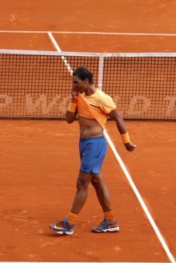 Nadal biting his shirt and showing after his victory @CelinaLafuenteDeLavotha