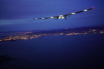 Solar Impulse landing in Mountain View, California, USA, April 23, 2016 @Solar Impulse / Revillard / Rezo ch