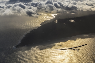 Solar Impulse takeoff from Hawaii, USA, April 21 @Solar Impulse /Revillard / Rezo ch