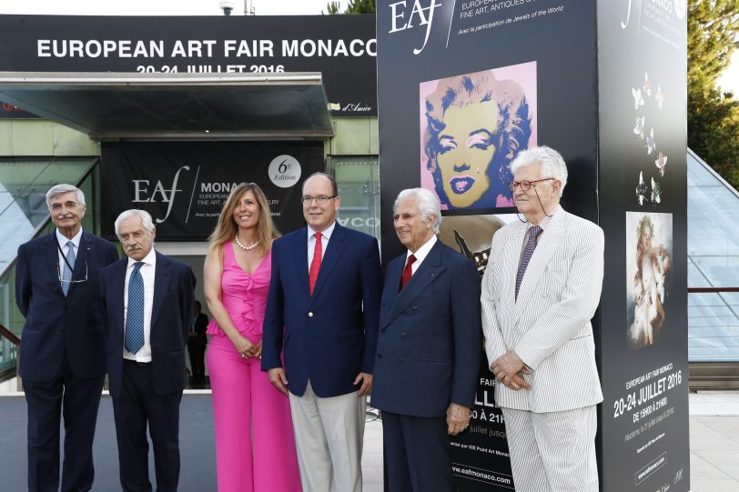 Prince Albert II surrounded by the organizers of EAF Monaco @EAFM 2016