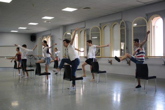 Scene from Turbulences choreographed by Sofie @CelinaLafuenteDeLavotha