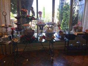 Breakfast table at Villa Gallici@CelinaLafuenteDeLavotha