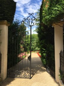 Entering the gardens at Villa Gallici@CelinaLafuenteDeLavotha