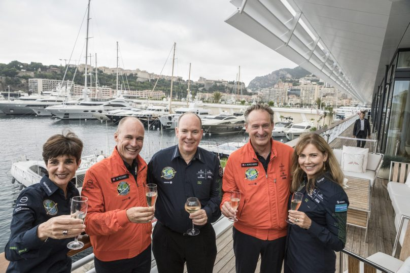 HSH Prince Albert with pilots Bertrand Piccard and Andre Borschberg and their wives at the Yacht Club of Monaco, July 29, 2016@ Solar Impulse Press Team
