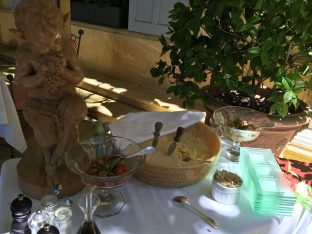 Some delicacies to tempt your appetite at Villa Gallici@CelinaLafuenteDeLavotha