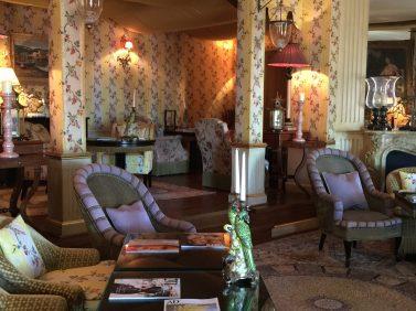 The inviting living room at Villa Gallici@CelinaLafuenteDeLavotha