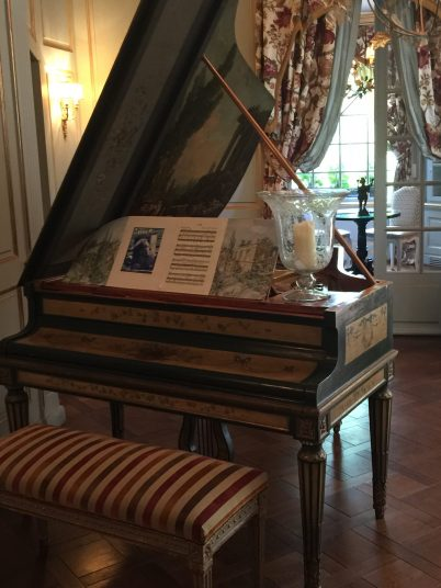 The pianoforte at Villa Gallici@CelinaLafuenteDeLavotha