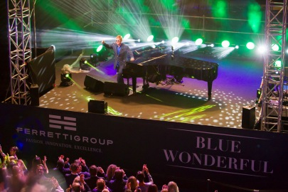 sir-elton-john-at-the-blue-wonderful-concert-at-the-ycm-on-september-2-2016-ycm-press