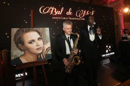 Entertainment at the Christmas Ball @Laurent Ciavaldini