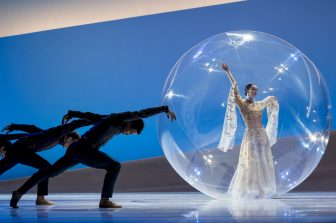 La Belle in the giant bubble, JC Maillot 2016@Alice Blangero