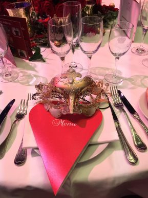 Table setting at the Grand Masked Ball of Venice in Monte-Carlo @CelinaLafuentedeLavotha