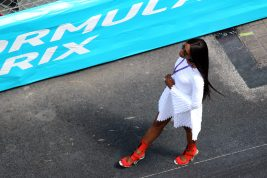 Naomi Campbell star of the E-Championship in Monaco walking on the circuit @CelinaLafuenteDeLavotha