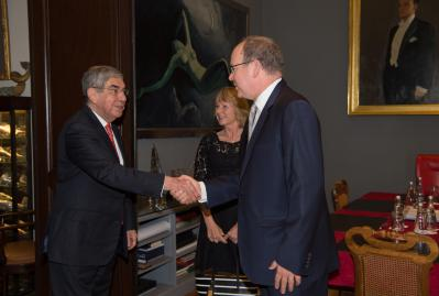HSH Prince Albert II greeting HE Oscar Arias Sanchez and Dawn Engle of PeaceJam @Press Prince's Palace