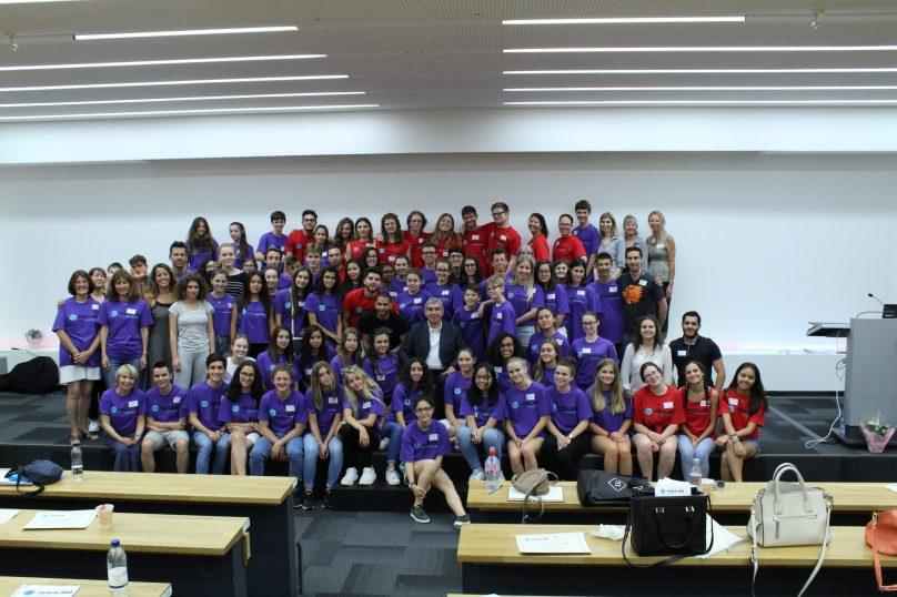 Oscar Arias Sanchez surrounded by Monegasque Students @PeaceJam