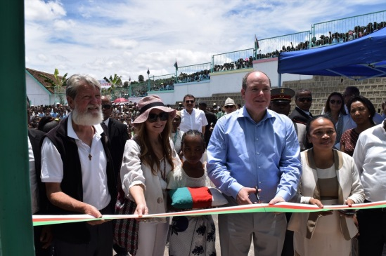 Prince Albert, Father Pedro Opeka and Donatella Campioni at the inauguraiton of the School in Madagascar 2017 @ MAP