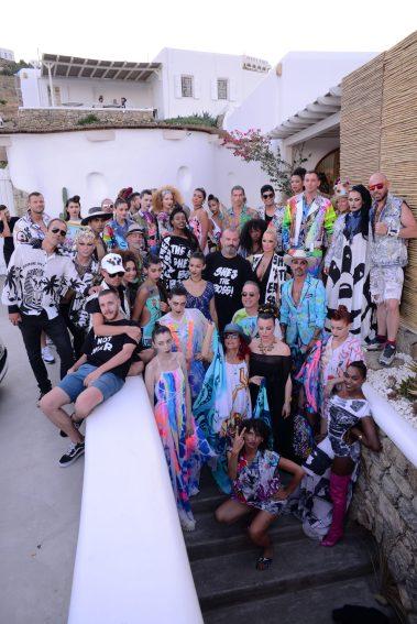 Patricia Field, Apostolos Mitropoulos, Debi Mazar, Katerina Gkouma and everybody involved in the Art Show backstage @Vivi Kaparou