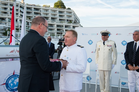 HSH Prince Albert II and Yersin's captain Jean Dumarais during flag ceremony@Thierry Apparu