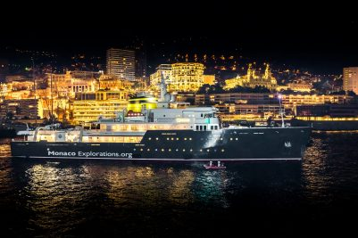 Yersin departing from Monaco for the 3-year exploration voyage @Thierry Apparu