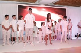 Children on the stage with singer Natalia @Thierry Carpico