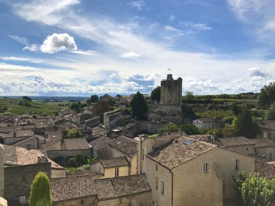 View from the terrace of Hostellerie de Plaisance in Saint Emilion @CelinaLafuentedeLavotha