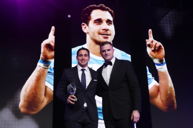 Joaquin Tuculet of Argentina receives IRPA Try of the Year Award from Jamie Heaslip of Ireland at World Rugby Awards 2017, Monaco @Dave Rogers - WR/WR via Getty Images