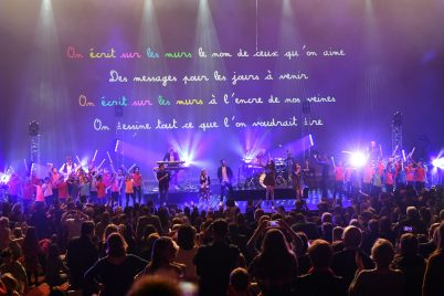 Kids United and students of Cours Saint Maur in the grand finale singing We write on the walls© Manuel Vitali : Direction de la Communication (1)