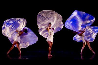 Momix dancers, music Reverence@ Andrea Chemelli.JPG