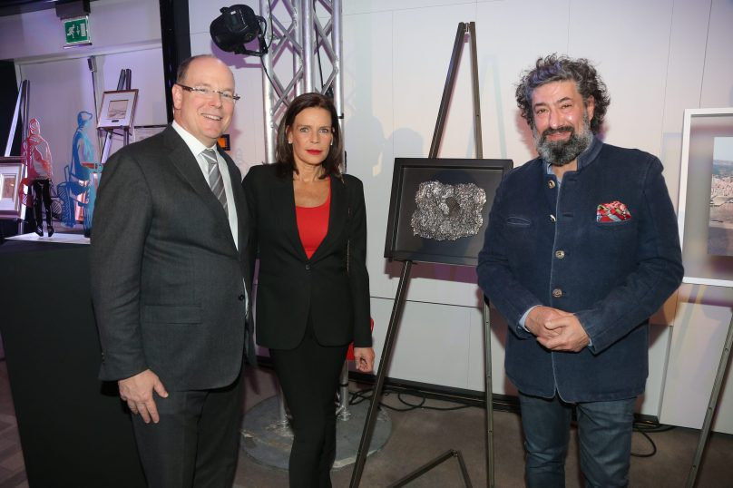 Prince Albert and Princess Stephanie with artist Bernard Bezzina (1)@Frédéric Nébinger