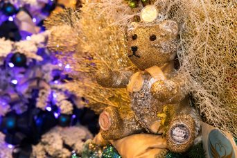 Teddy Bear at the base of the SHE by Shanu Christmas Tree (No.9) @Philippe Fitte