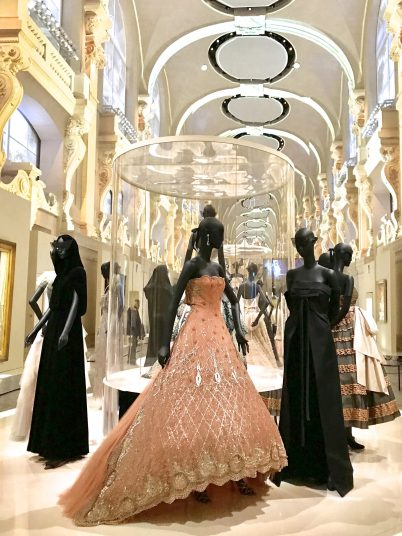 Christian Dior couture robes in exhibition @CelinaLafuentedeLavotha