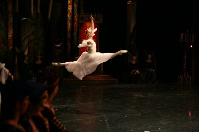 Marianna Barabas dancing Swan Lake by Marius Peipa with Hungarian Ntional Ballet @Andrea Paolini Merlo