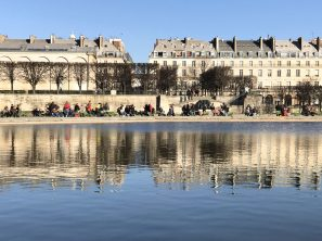 Strolling in the Tulleries Gardens on a sunny day @CelinaLafuentedeLavotha