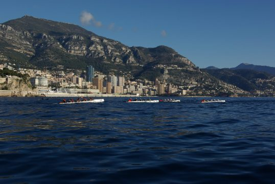 Blue sea, mountains and blue skies on Sunday of the Challenge Prince Albert II @Olivier-Vincent Marechal