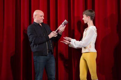 Jean-Christophe Maillot receiving the Lifetime Achievement Award Prix de Lausanne 2018 @Gregory-Batardon_50A5831