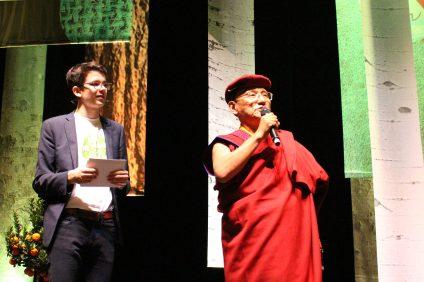 Felix Finbeiner with Gyalwang Drukpa @CelinaLafuentedeLavotha