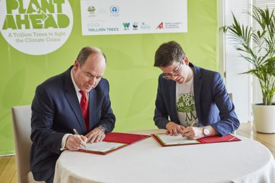 Prince Albert and Felix Finkbeiner signing the Plant Ahead Trillion Trees Declaration Monaco 2018@Daniel Nückel - Plant-for-the-Planet