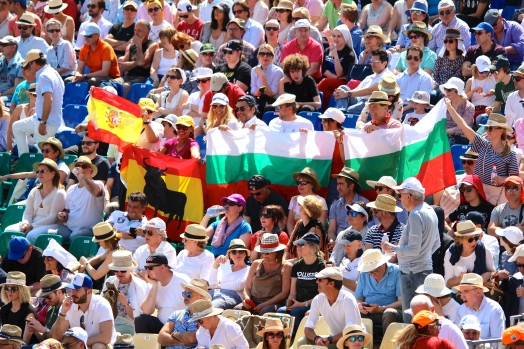 Nadal (Spain) and Dimitrov (Bulgaria) fans together cheering for their heroes, April 21, 2018 @CelinaLafuentedeLavotha