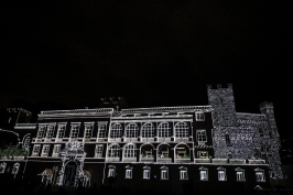 Black and White Image projected on the Prince's Palace of Monaco©EdWrightImages_StJean18_0297