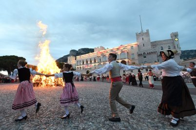 Bonfire celebrating Saint Jean in the Palace Square @Direction de la Communication Monaco