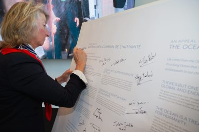 Catherine Chabaud signing Appeal for the Ocean charter on World Oceans Day @mesi
