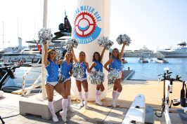Cheerleaders ready for the depart of the Riviera Water Bike Challenge 2018 @CelinaLafuentedeLavotha
