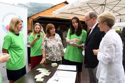 Prince Albert and Kate Powers at the stand of the Principality's National Energy Transition Pact during Monacology 2018@Manuel Vitali, Direction de la Communication