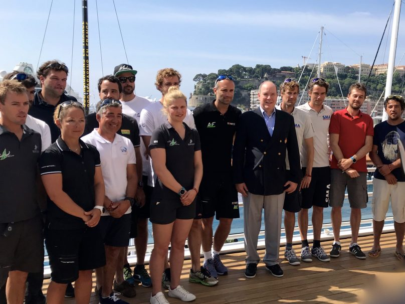 Prince Albert surrounded by members of the teams participating in the Monaco Globe Series 2018 @CelinaLafuentedeLavotha