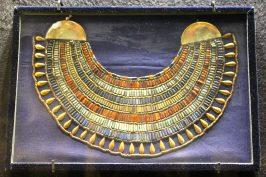 Grand Necklace of princess Ita-ouret in gold, coraline, lapis-laxuli and amazonite, Egyptian Museum Cairo @CelinaLafuentedeLavotha