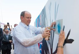 Prince Albert leaving his imprint on Belinda Bussotti aka Beli's artwork @WSM